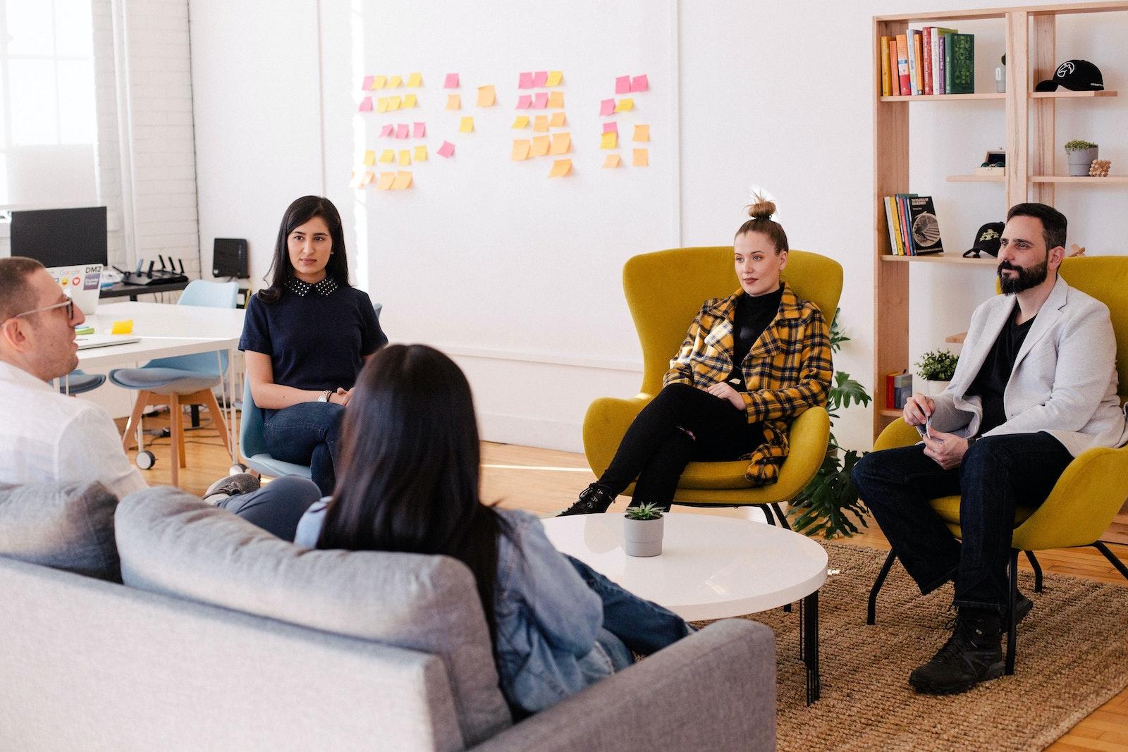 рабочая группа обсуждает проект